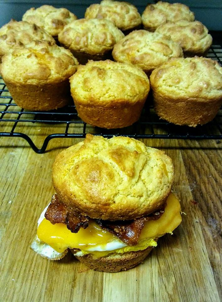 Keto-Bacon-Egg-And-Cheese-on-a-Cheddar-Biscuit-Breakfast-Sandwich