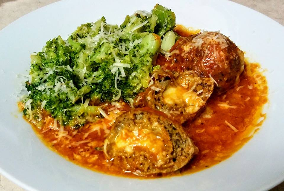 Keto-Stuffed-Meatballs-with-Bacon-and-Parmesan-Broccoli
